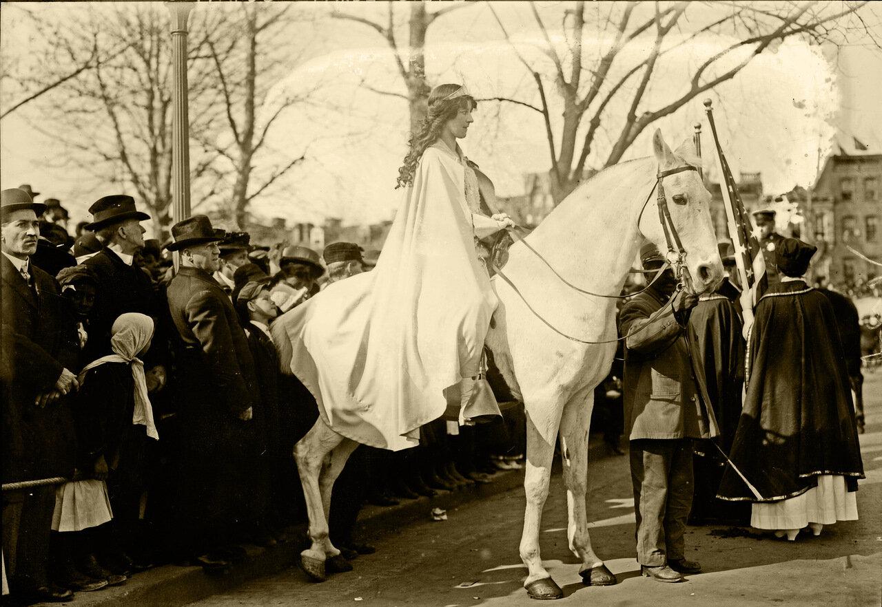 Парад суфражисток,Инес Милхолланд, 3 марта 1913