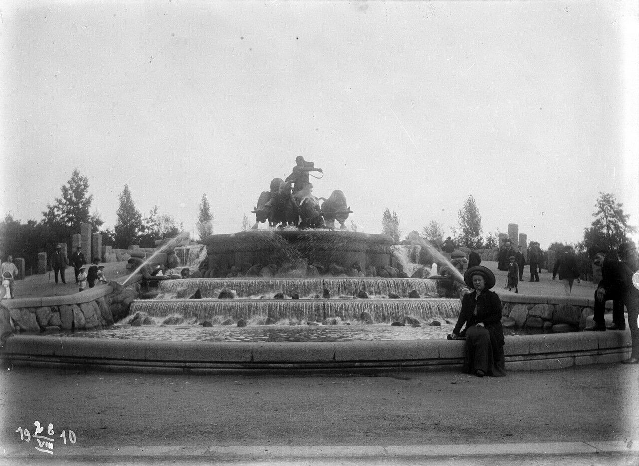 Фонтан со скульптурой Гёфьён в Копенгагене. 1910 год