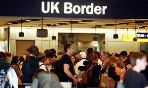 Великобритания вводит визовый залог