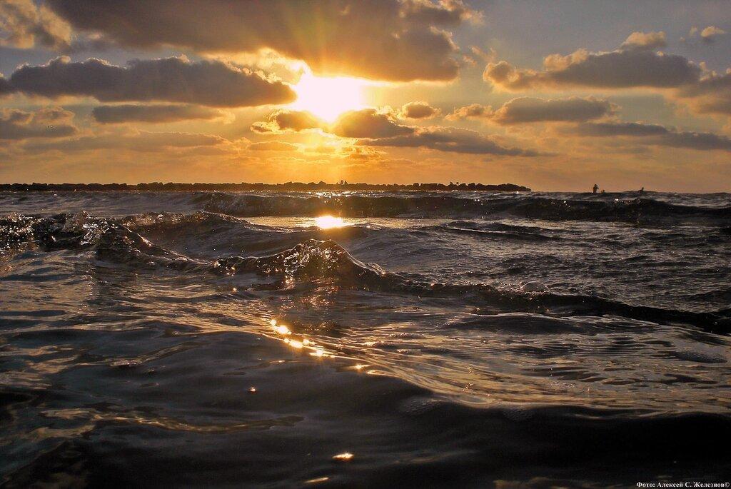 Золотые лучи Средиземного моря