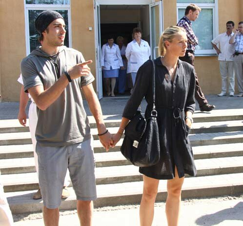 Мария Шарапова больше не невеста