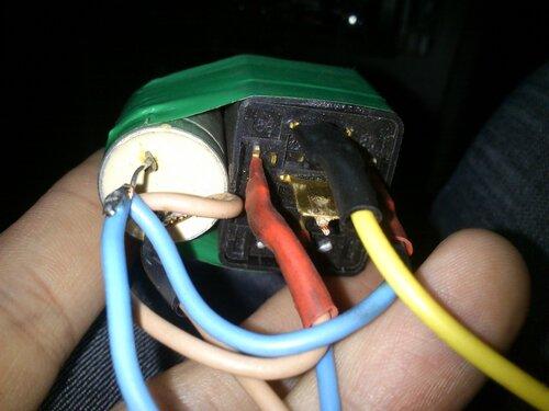 Реле, конденсатор и диод