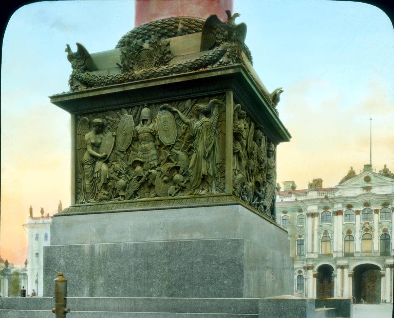 Санкт-Петербург. Александровская колонна на Дворцовой площади