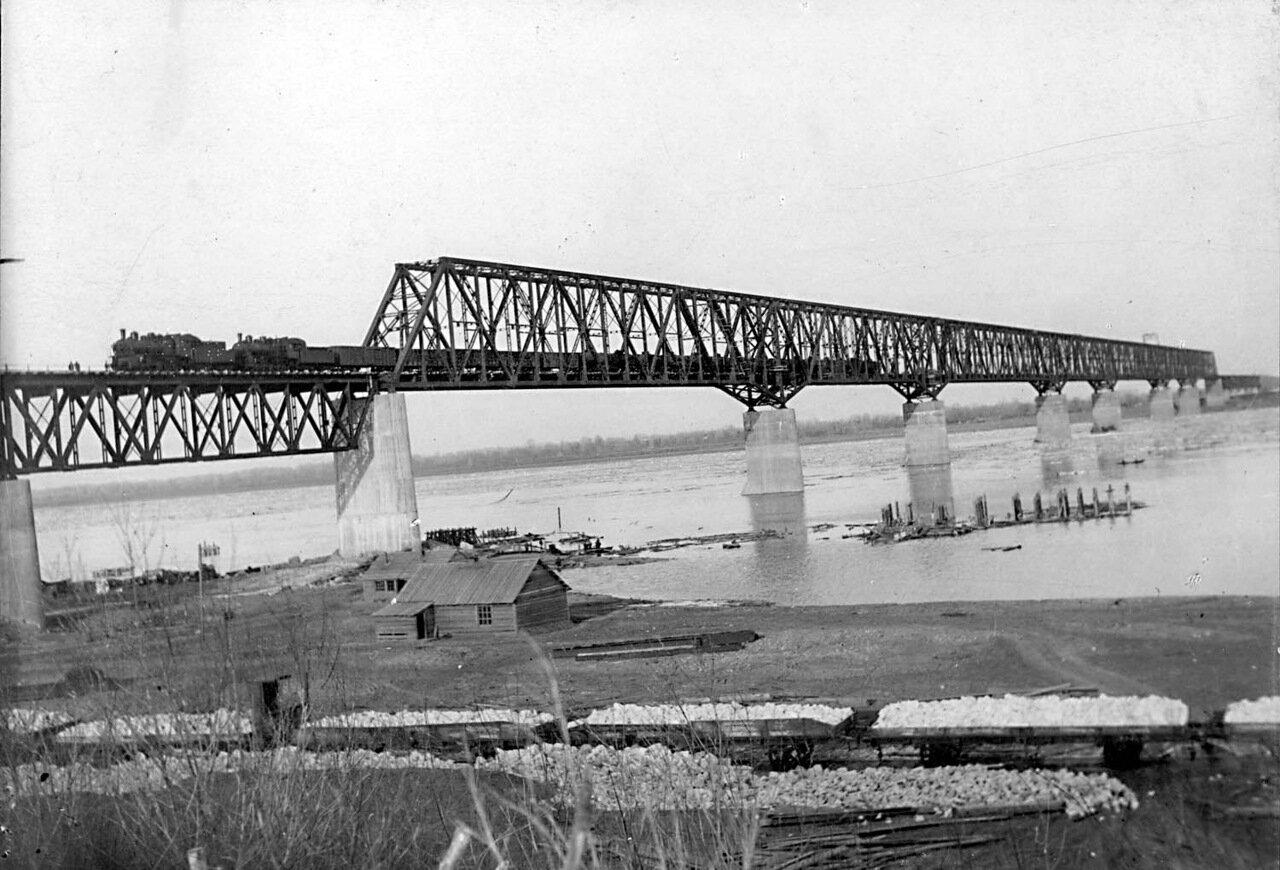 13. Мостъ