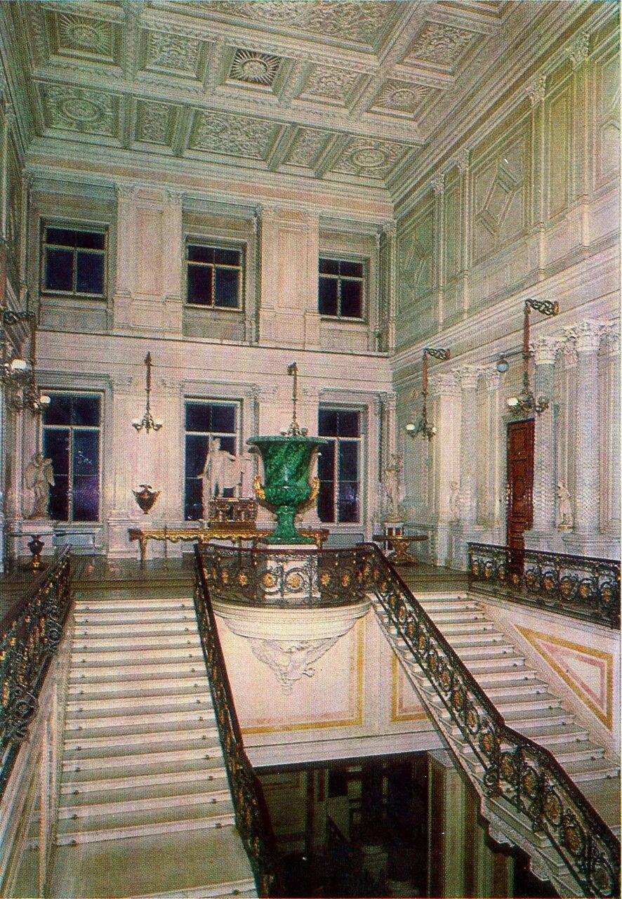 Советская лестница в Старом Эрмитаже