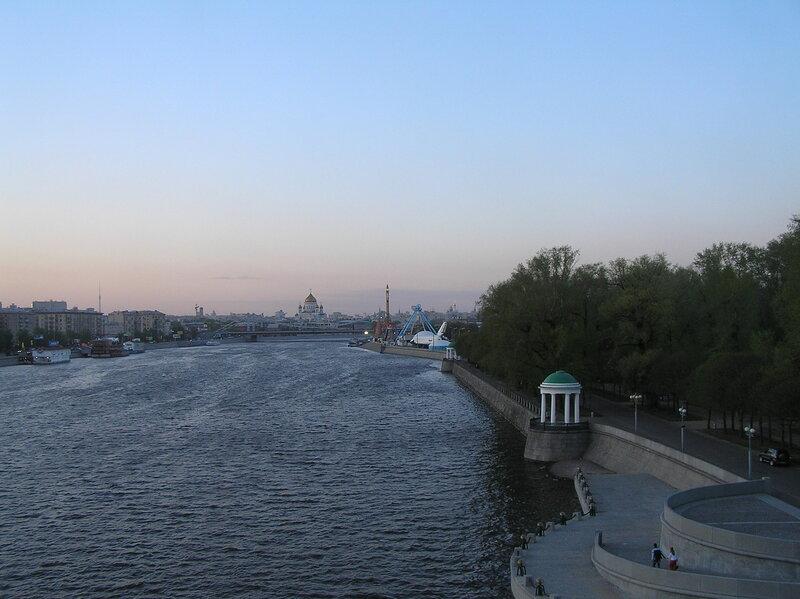 Вид с Пушкинского (старого Андреевского) моста