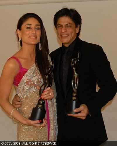 Kareena Kapoor and Shahrukh Khan after receiving their awards at the 53rd Fair One Filmfare Awards 2009 at Yash Raj Studios in Mumbai