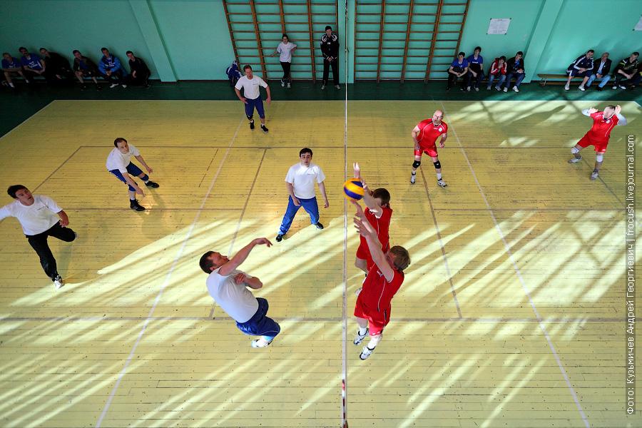 Команды по волейболу «Яхтенный порт» и «Порт Коломна» на десятой спартакиаде речников