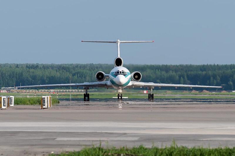 Туполев Ту-154М (RA-85654) Алроса DSC0551