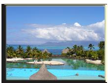 Французская Полинезия. Pool at Tahiti Resort. Фото PFS - shutterstock