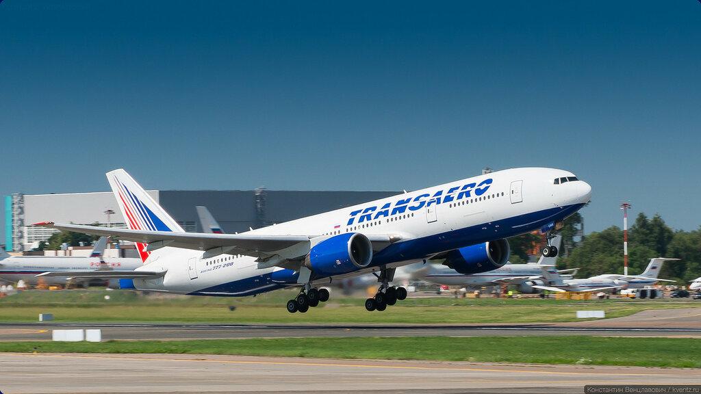 Этот товарищ покрупнее будет — Boeing 777-200