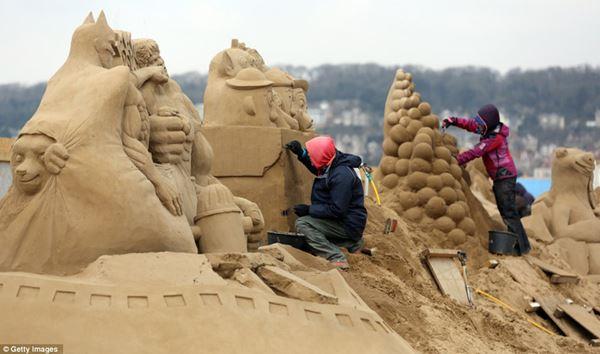 Фестиваль скульптур из песка в Англии