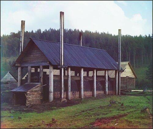 Углеобжигательная печь уСаткинского завода