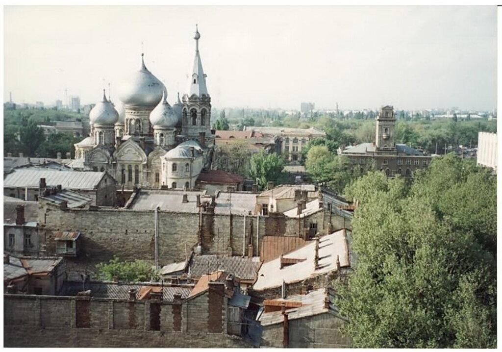 0_77493_9ea9ac82_XXL Архивные снимки: Японский турист запечатлел Одессу 1996-го года