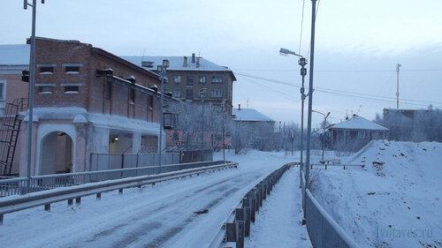 Фото города Инта №2487 Мост ТЭЦ в южном направлении (в город, примероно от его середины) Полярная 8, 5 и Халеева 6  06.01.2013_13:44