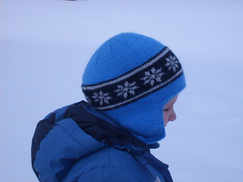 шапка детская жаккард спицами с ушками