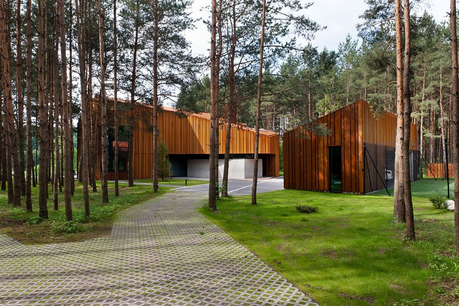 Настоящий мужской дом в литовском лесу