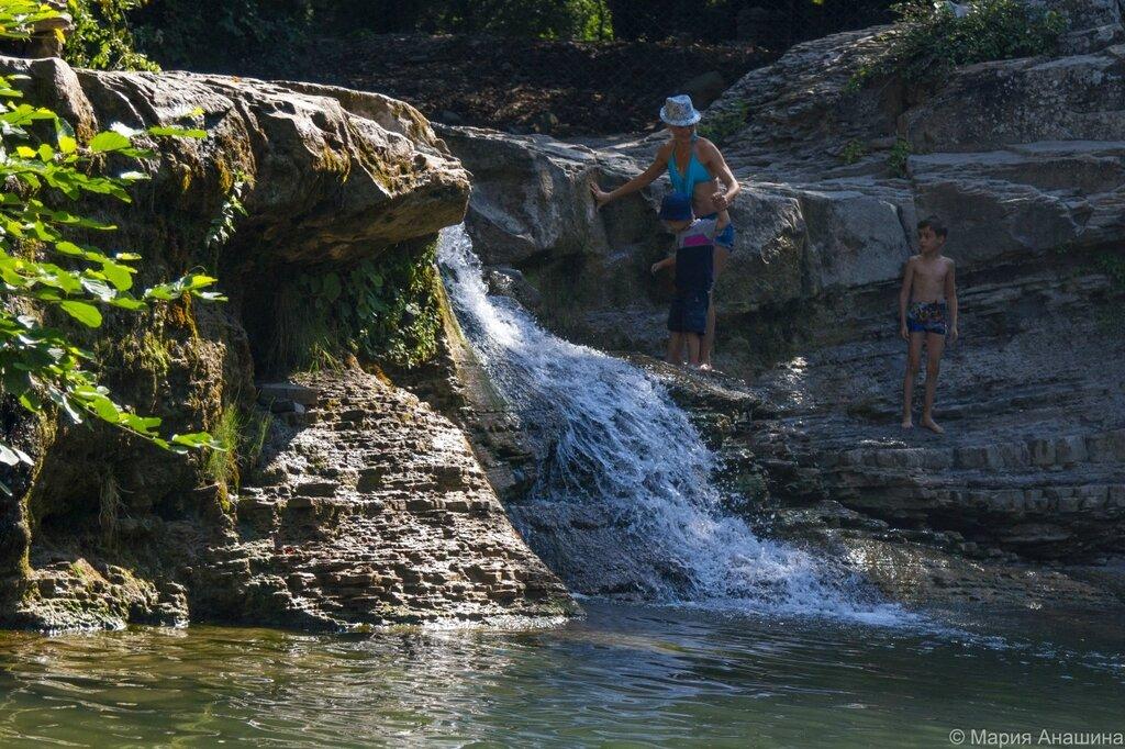 Водопад Нижний на реке Жане