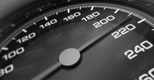 В России предложили увеличить скорость на автомагистралях до 130 км/ч