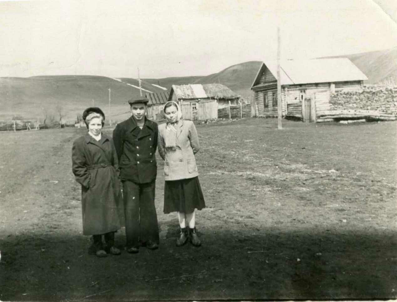 В деревне 50-х.