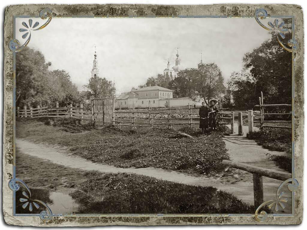 Введенский храм и Николаевский монастырь