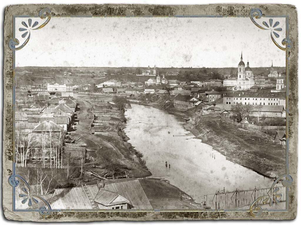 Вид с колокольни Крестознаменской церкви на северную часть города, 1880 год.