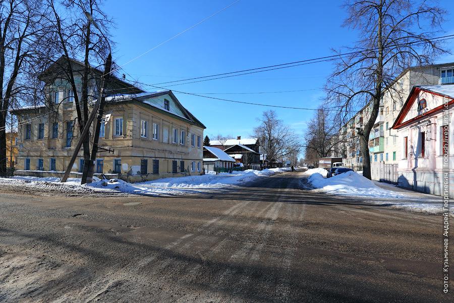 Перекресток проспекта Революции и улицы Ленина в Балахне