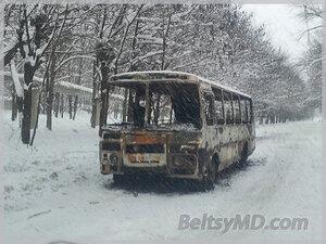 В Бельцах полностью сгорел маршрутный автобус