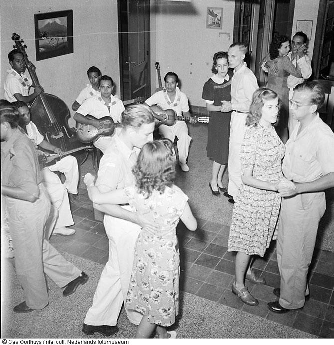 Ретро танцы голых женщин 23 фотография