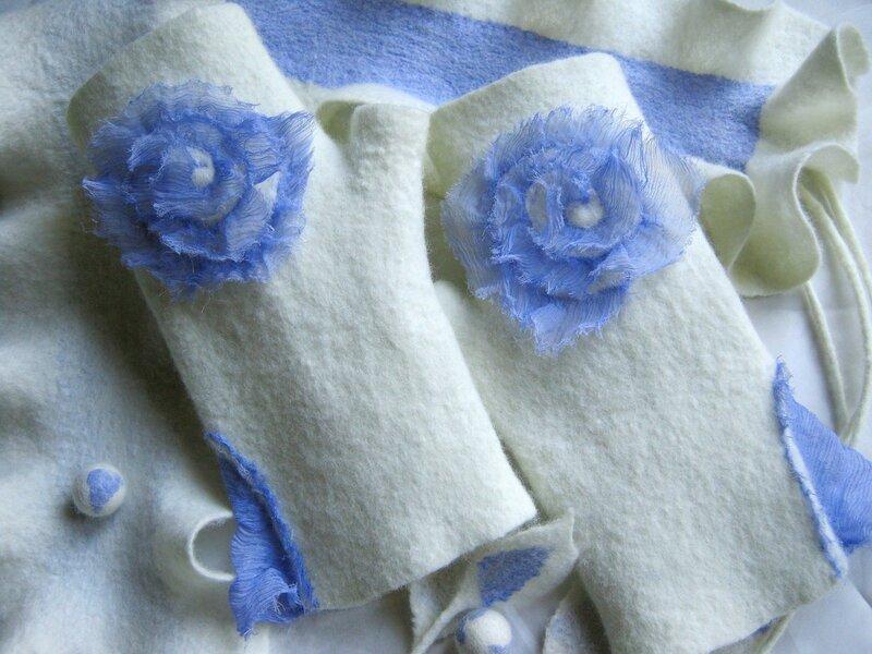 Митенки с розой из гофрированного шифона
