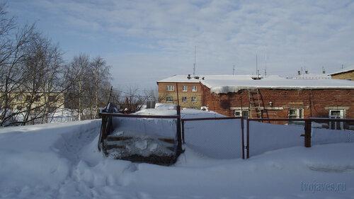 Фото города Инта №3810  Январская 15а, 13, Мира 14а (Станция юных натуралистов (СЮН)