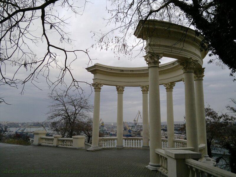 Январский вид на Ротонду (Севастополь)