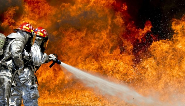 Площадь пожара автосервиса вСеверянинском проезде достигла 500 кв. метров