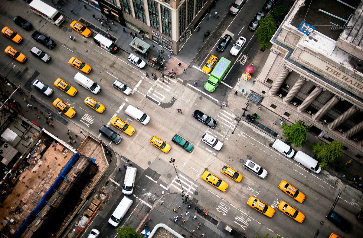 6. Шестая авеню — важная дорога Манхэттена, по которой транспорт движется на север или на окраину в