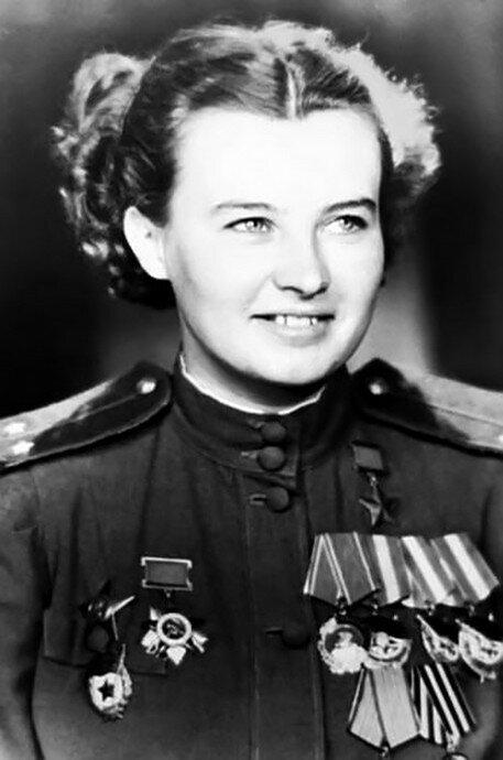 Гвардии лейтенант Наталья Федоровна Меклин (Кравцова)
