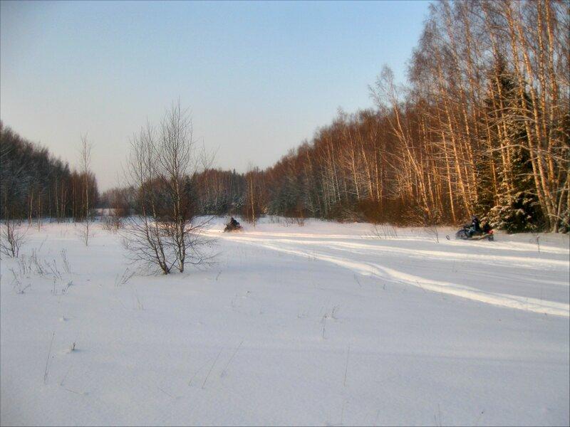 Снегоходы на Закрытой поляне