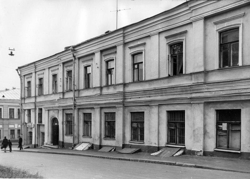 Подколокольный переулок, дом 11 (Площадь Максима Горького, дом 1)