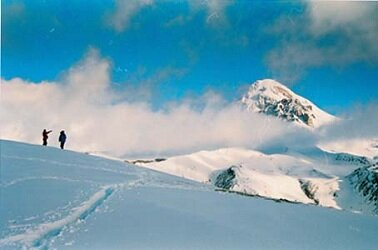 Казбек. Вид с перевала Саберце