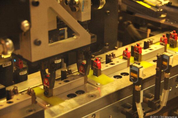 """Как производят конструктор """"Lego"""""""