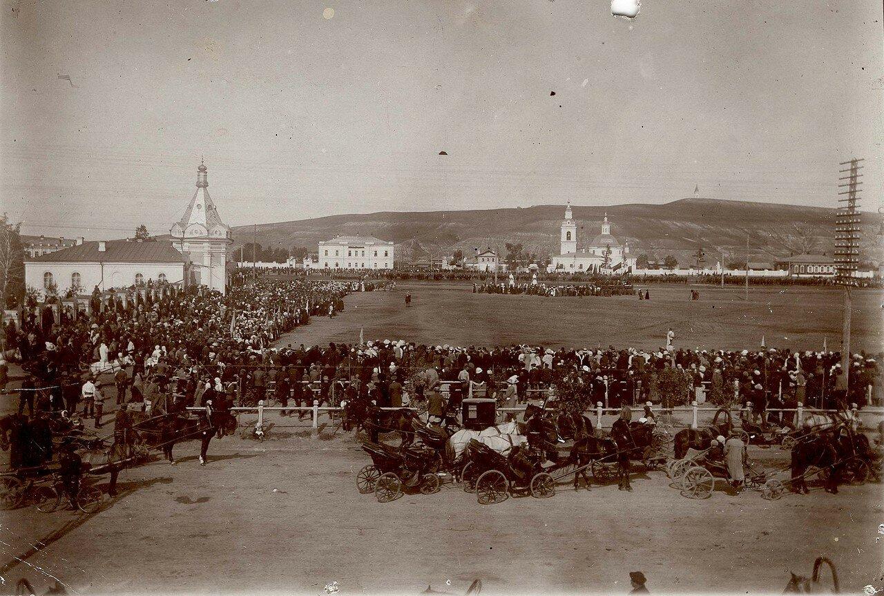 Молебен по поводу победы русской армии в Галицийской битве в августе — сентябре 1914
