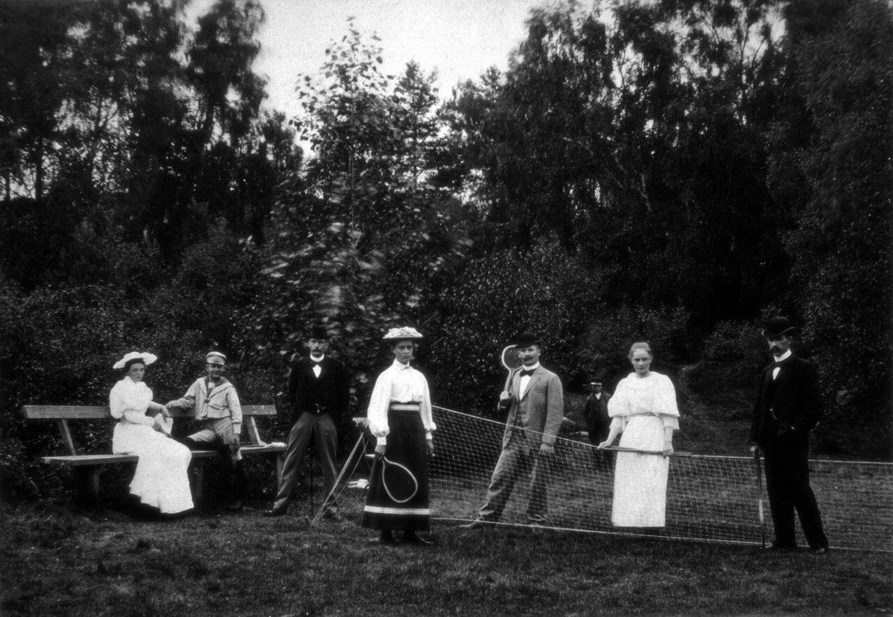 Теннисисты в Карлсхамн, Швеция, в 1900 году.