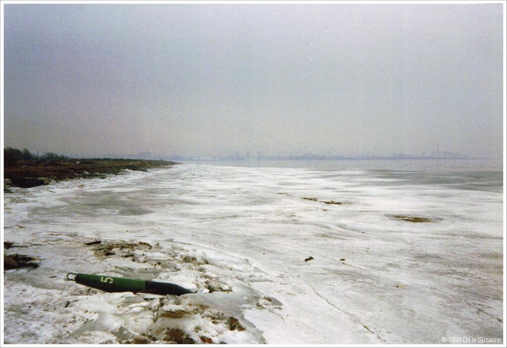 Санкт-Петербург, апрель 1993 года. Финский залив