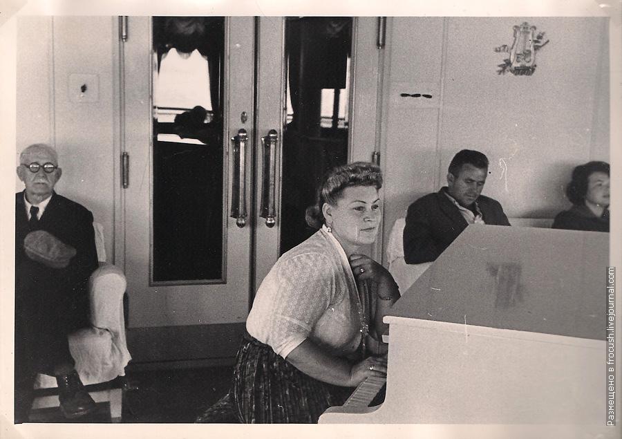 музыкальный салон на теплоходе 1965 год