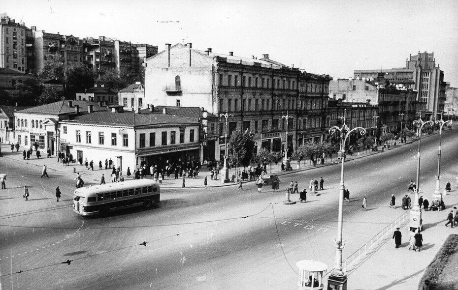 1948.10. Четная сторона Хрещатика. Фото: Барабанова Б.О.