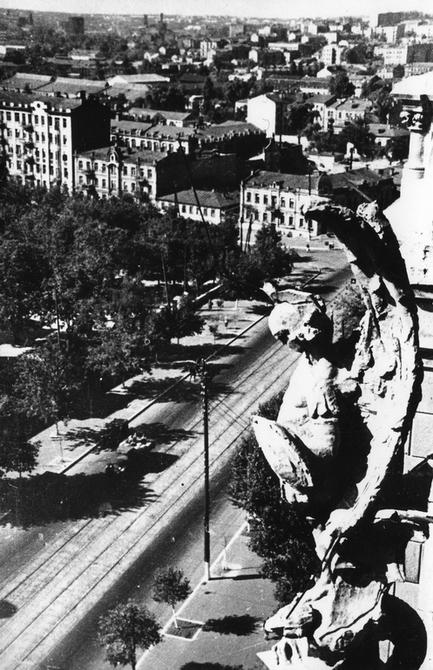 1944. Вид на улицу Красноармейскую с Николаевского костела