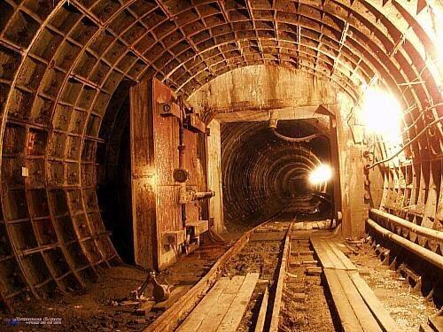Подземные люки (09.04.2013)