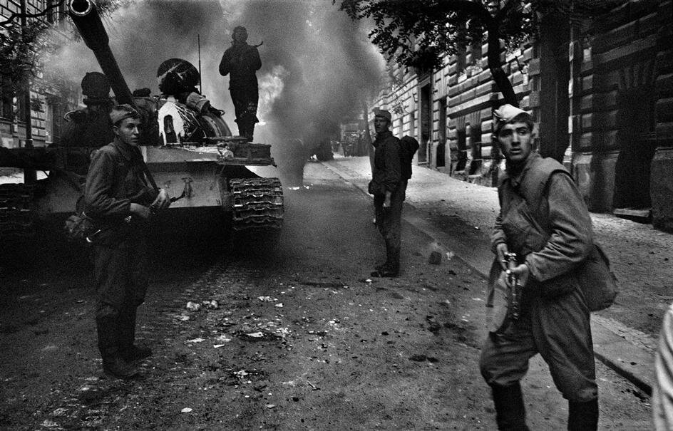 a history of the 1968 invasion of czechoslovakia Soviet invasion of czechoslovakia a collection of primary source documents from around the world related to the 1968 prague spring and the subsequent warsaw pact invasion of czechoslovakia.