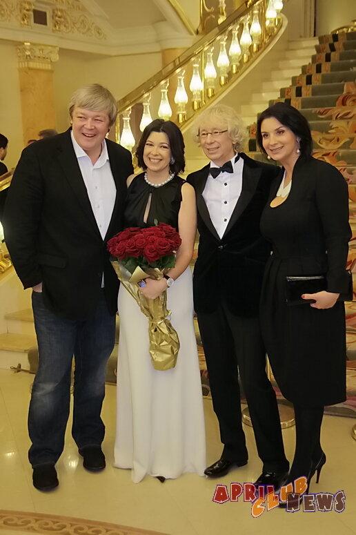 Александр и Екатерина Стриженовы, Аркадий Укупник с женой