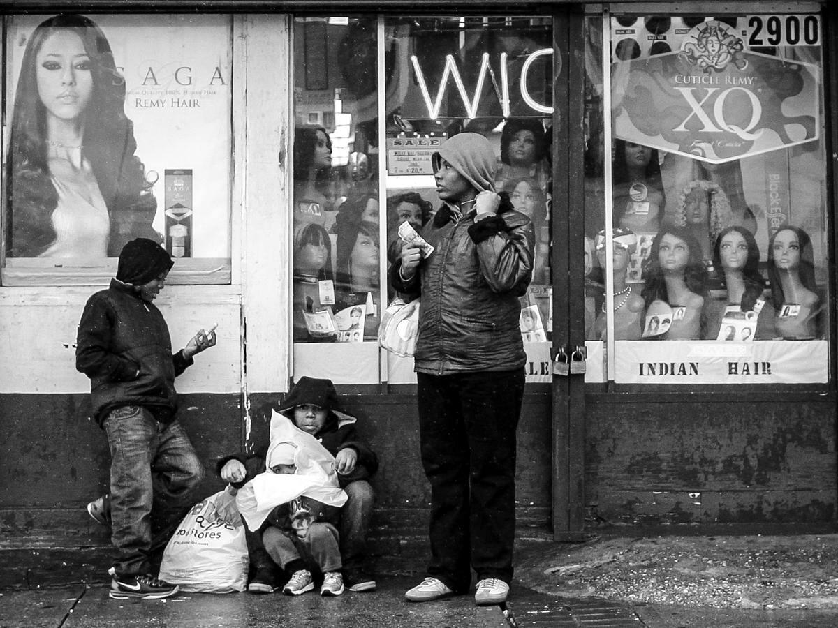 Неулыбчивая Америка: Черно-белая жизнь в бедных кварталах современного Балтимора (9)