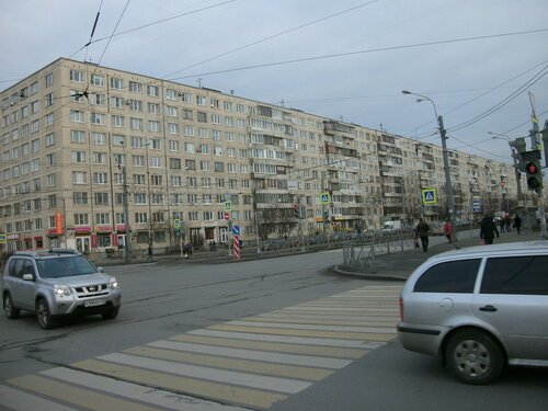 ул. Ярослава Гашека 8